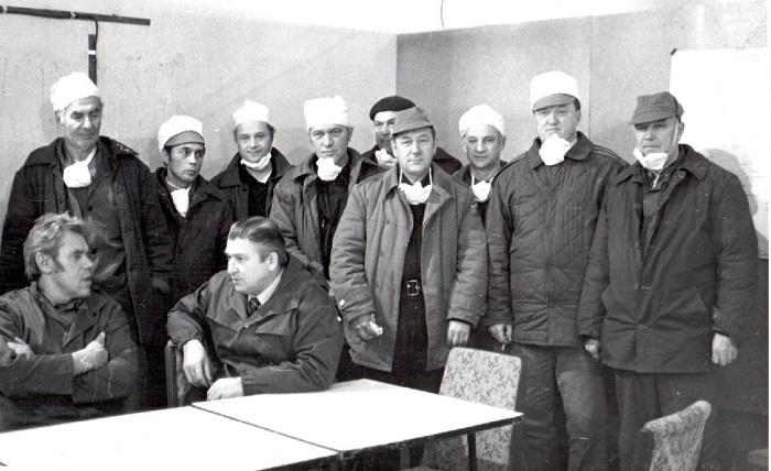 Ликвидаторы УС-905 Слева на право cидят- Дудоров И., Семенов. Слева на право Стоят- Павкин, Гревцов, Никитин, Зябрев, Бочаров, Будилов, Колдин, Сафронов