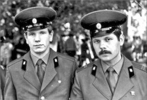 А. Ярушин (справа)