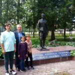 С внуками к мемориалу (К 70-летию образования ВВВСКУ).