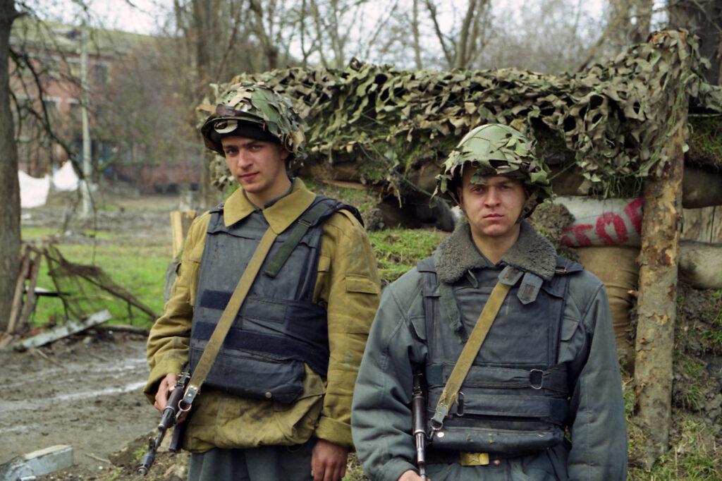 КПП милицейской части. Март 2003 г.