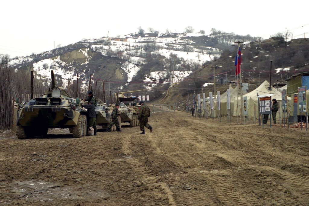 Подготовка спецназа к маршу. Ножай - Юрт. 2005 год.