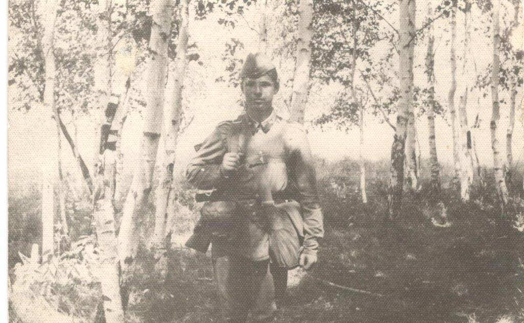 1972 год. Среди сибирских берёз.