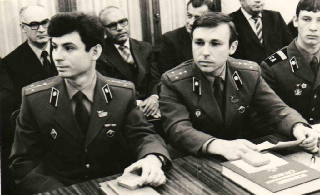 На фото участники Пятого Всеармейского совещания секретарей комсомольских организаций (28-30 мая 1984 г., Москва, Кремль) от войсковой части 25525.