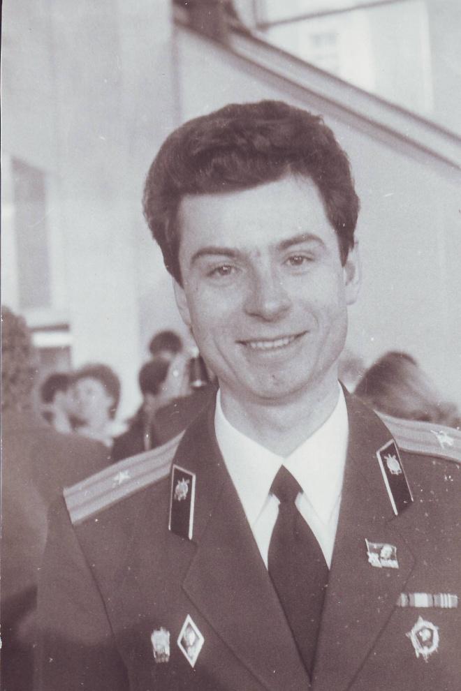 1987 г. в Кремлёвском дворце съездов среди делегатов ХХ съезда ВЛКСМ