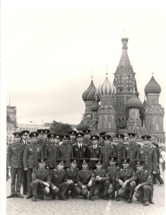 С лучшими воинами-комсомольцами на экскурсии в Звёздном городке и на Красной площади
